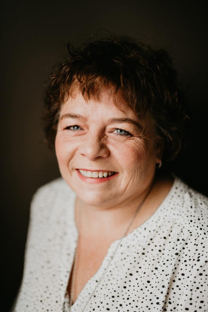 Donna - professional organizer in Calgary